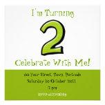 Invitación verde del cumpleaños de los números 2 t