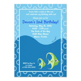 Invitación verde del cumpleaños de los pescados