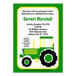 invitación verde del cumpleaños del tractor de gra