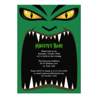 Invitación verde del golpe del monstruo de Hallowe