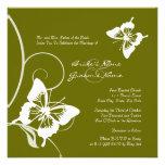 Invitación verde y blanca del boda de la mariposa