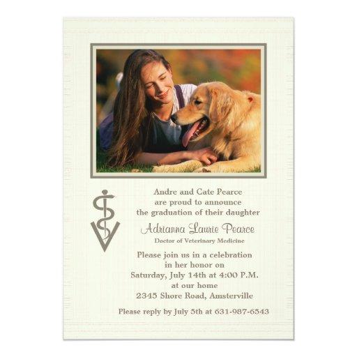 Invitación veterinaria de la foto de la graduación