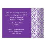 Invitación violeta del compromiso del modelo del