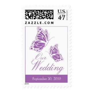 Invitación violeta simple del boda de la mariposa timbre postal