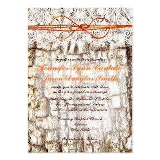 Invitaciones anaranjadas del boda del arco de Camo Comunicados Personales