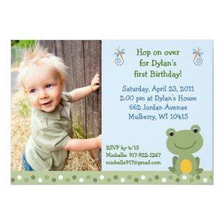 Invitaciones de encargo del cumpleaños de la rana invitación 12,7 x 17,8 cm