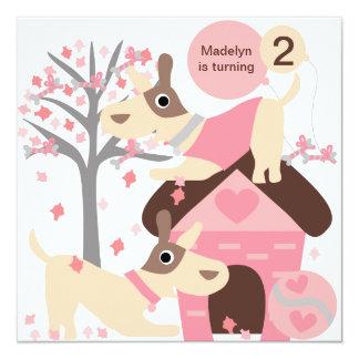 Invitaciones de encargo rosadas del cumpleaños del invitación 13,3 cm x 13,3cm