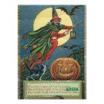 Invitaciones de Halloween del vintage de una bruja Comunicados
