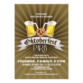 Invitaciones de la cerveza y del fiesta de Oktober Anuncios