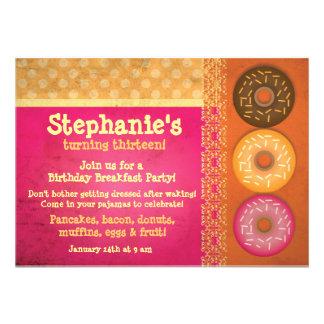 Invitaciones de la fiesta de cumpleaños del desayu comunicados personales