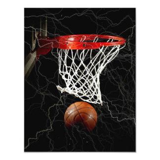 Invitaciones de las invitaciones del baloncesto anuncio personalizado