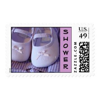 Invitaciones de los zapatos de bebé de los sellos
