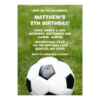 Invitaciones del balón de fútbol y de la fiesta de invitacion personalizada