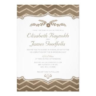 Invitaciones del boda del zigzag de Brown
