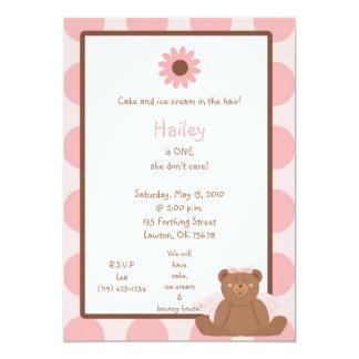 Invitaciones del chica del cumpleaños del oso de comunicado personalizado