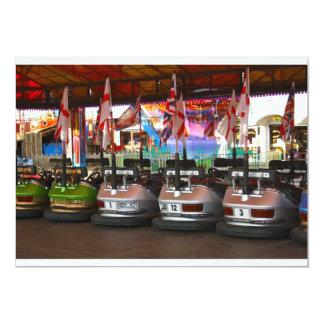 Invitaciones del coche de parachoques de Dodgem Anuncios Personalizados