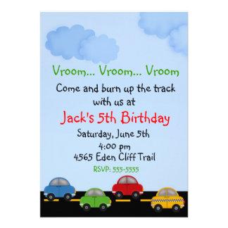 Invitaciones del cumpleaños del coche de carreras