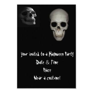 """Invitaciones del fiesta de Halloween del cráneo Invitación 3.5"""" X 5"""""""