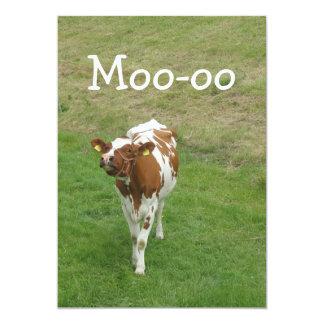 Invitaciones del fiesta de la vaca comunicado personalizado