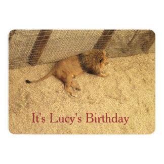 """Invitaciones del león del cumpleaños de Lucys Invitación 5"""" X 7"""""""