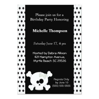 """Invitaciones femeninas del cumpleaños del cráneo invitación 5"""" x 7"""""""