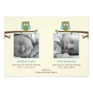 Invitaciones gemelas del nacimiento de los búhos anuncio personalizado