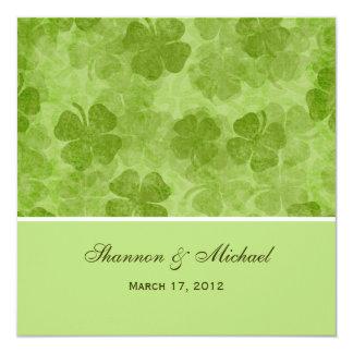 """Invitaciones irlandesas del boda del trébol verde invitación 5.25"""" x 5.25"""""""