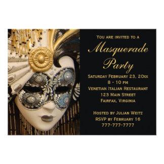 Invitaciones negras del fiesta de la mascarada del anuncios personalizados