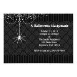 Invitaciones negras y blancas de Halloween del Comunicado Personalizado