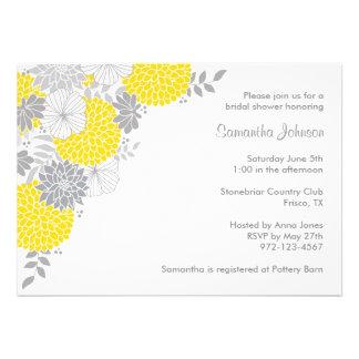 Invitaciones nupciales florales amarillas y grises