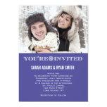 Invitaciones púrpuras de la foto del boda del copo comunicado personalizado