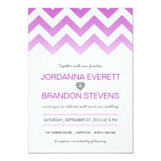 """Invitaciones púrpuras del boda de Chevron Ombre de Invitación 4.5"""" X 6.25"""""""