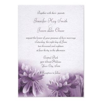 Invitaciones púrpuras del boda de la primavera de comunicado personal