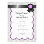 Invitaciones púrpuras y grises de la fiesta de bie invitaciones personalizada