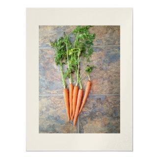 """Invitaciones que ofrecen zanahorias frescas en el invitación 6.5"""" x 8.75"""""""