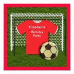 Invitaciones rojas de la fiesta de cumpleaños de invitaciones personales