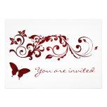 Invitaciones rojas del boda de la mariposa