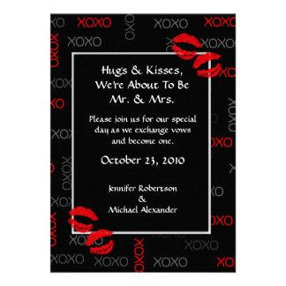 Invitaciones rojas negras del boda de los abrazos