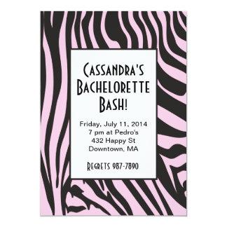 Invitaciones rosadas de Bachelorette del estampado Comunicados Personalizados