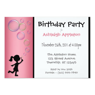 Invitaciones rosadas del cumpleaños de las invitaciones personales
