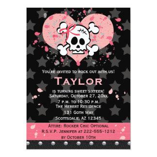 Invitaciones rosadas del cumpleaños del cráneo comunicado personalizado