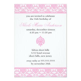 Invitaciones rosadas del dulce dieciséis del anuncio