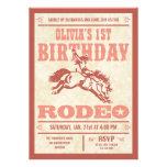 Invitaciones rosadas del poster del rodeo del cump