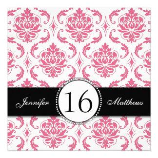 Invitaciones rosadas negras del dulce dieciséis de comunicado