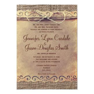 Invitaciones rústicas del boda de la arpillera del anuncios personalizados