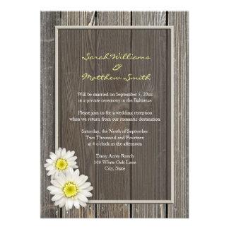 Invitaciones rústicas del boda de la margarita de invitación personalizada
