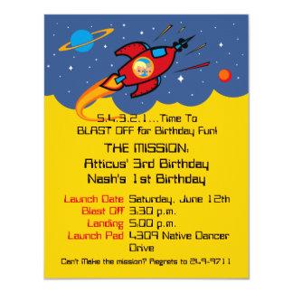 Invitaciones sabias del cumpleaños de la nave de comunicado personalizado
