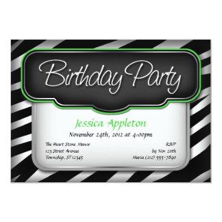Invitaciones únicas del cumpleaños del verde del comunicado personal
