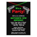 Invitaciones verdes rojas de la fiesta de invitación personalizada