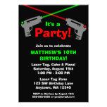 Invitaciones verdes rojas de la fiesta de cumpleañ invitación personalizada